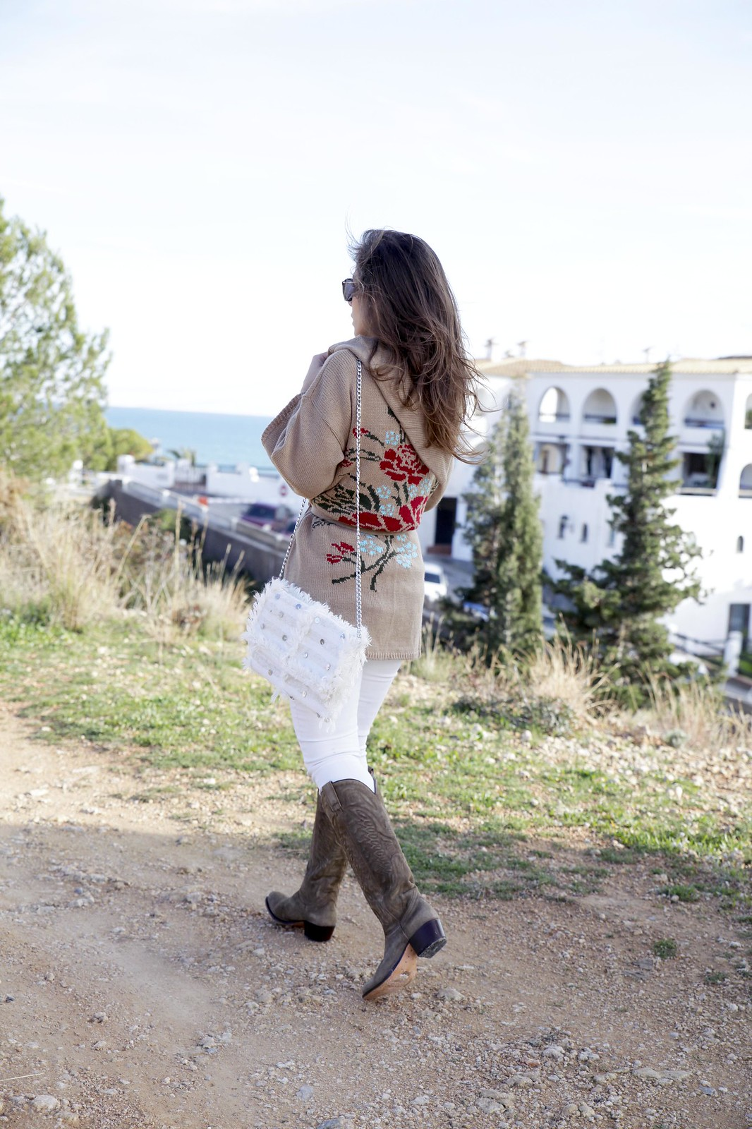 04_trend_alert_flowers_outfit_spring_blogger_influencer_barcelona_theguestgirl_laura_santolaria
