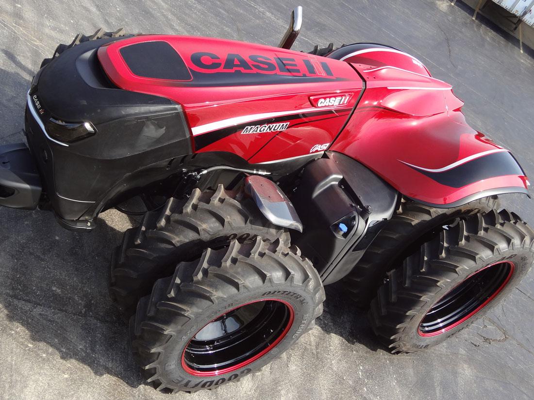 2017010911_CaseIH_Tractor