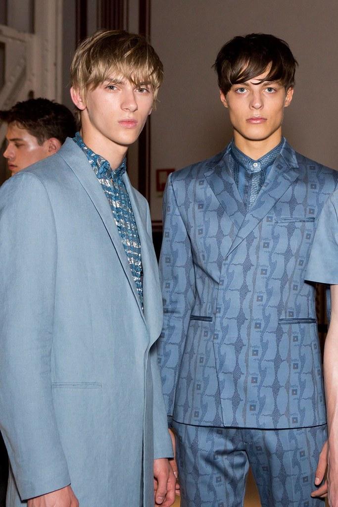Dominik Sadoch3365_SS16 Milan Etro_Brodie Scott(fashionising.com)
