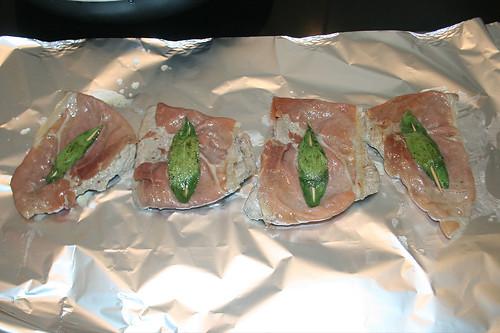 28 - Kalbsschnitzel in Alufolie warm halten / Keep veal cutlets in tinfoil hot