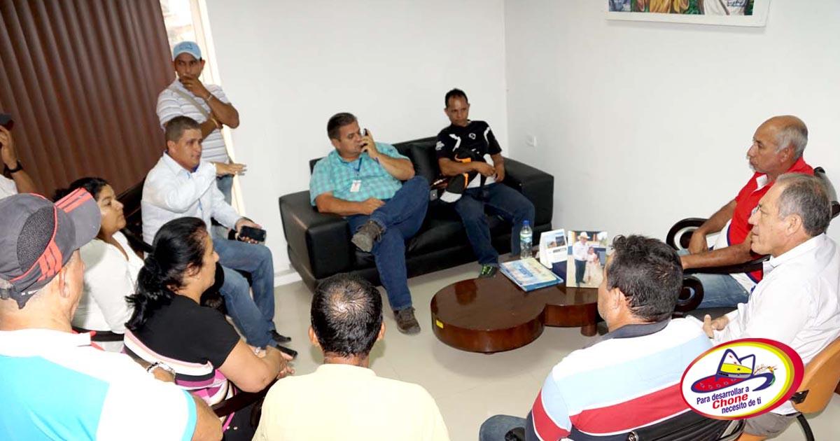 Reunión de trabajo Alcalde de Chone con presidente GAD Convento