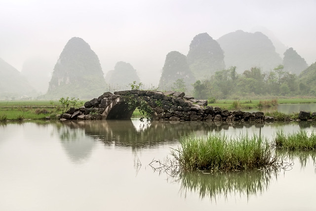 Ancient Bridge near Yangshou, Pentax K-30, Sigma 18-200mm F3.5-6.3 II DC HSM