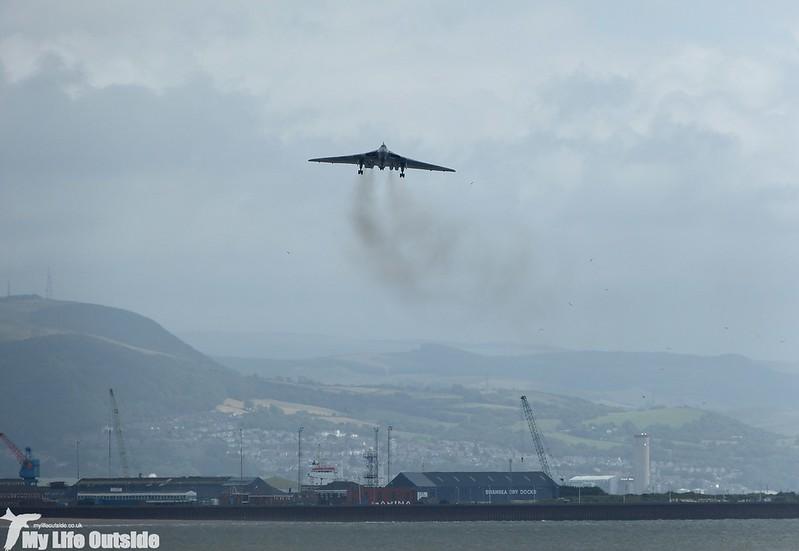 P1140031 - Vulcan XH558, Swansea Bay