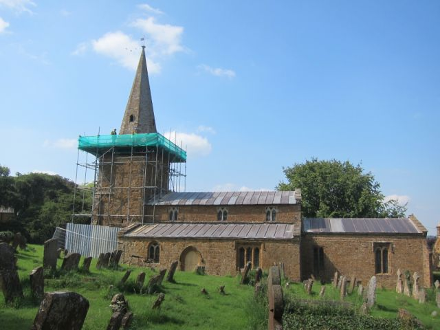 Warwickshire, Shotteswell, St Laurence