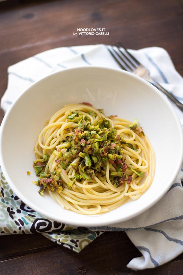 Spaghetti con ragù di zucchine e mortadella al ginger