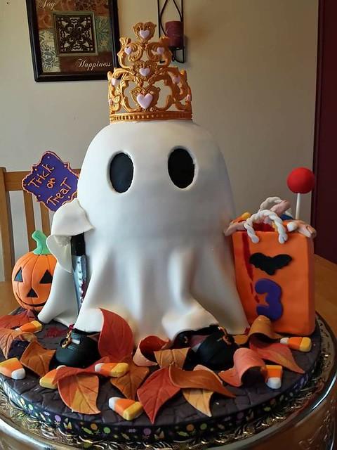 Halloween Cake by Irma Garcia