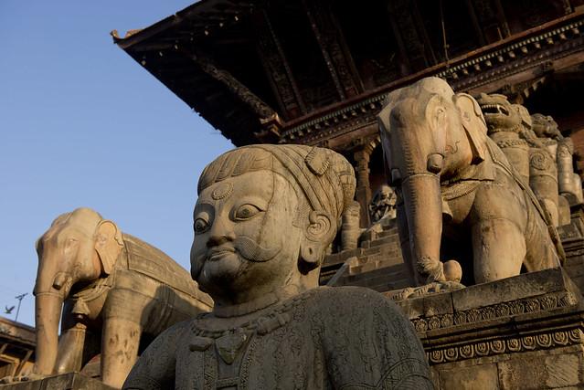 NPL - Bhaktapur - Taumadhi Square 004