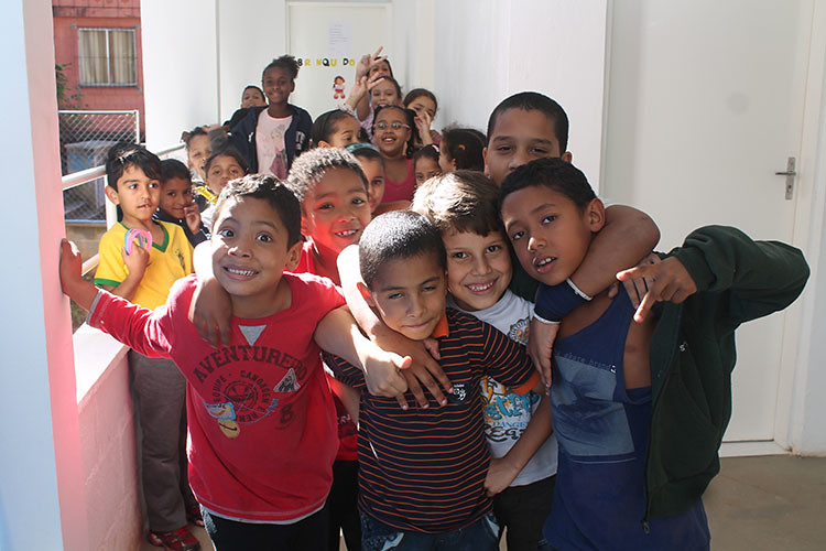 comuna_urbana_crianças2.jpg