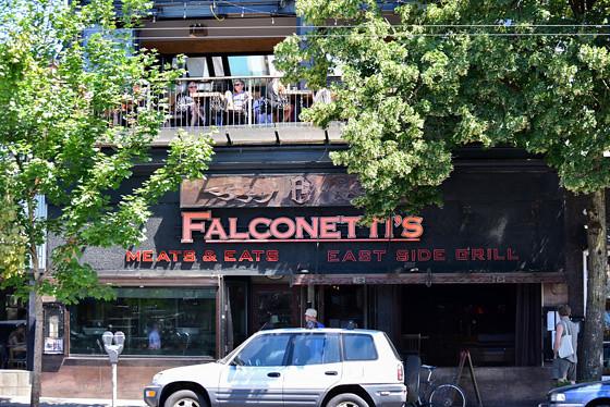 Falconetti exterior