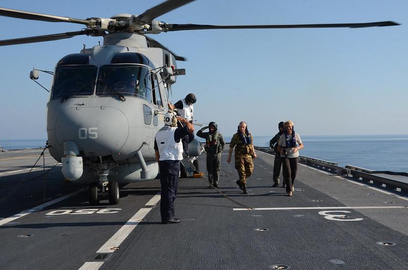 Italian MoD visits ITS Cavour – Op. Sophia EUNAVFOR MED