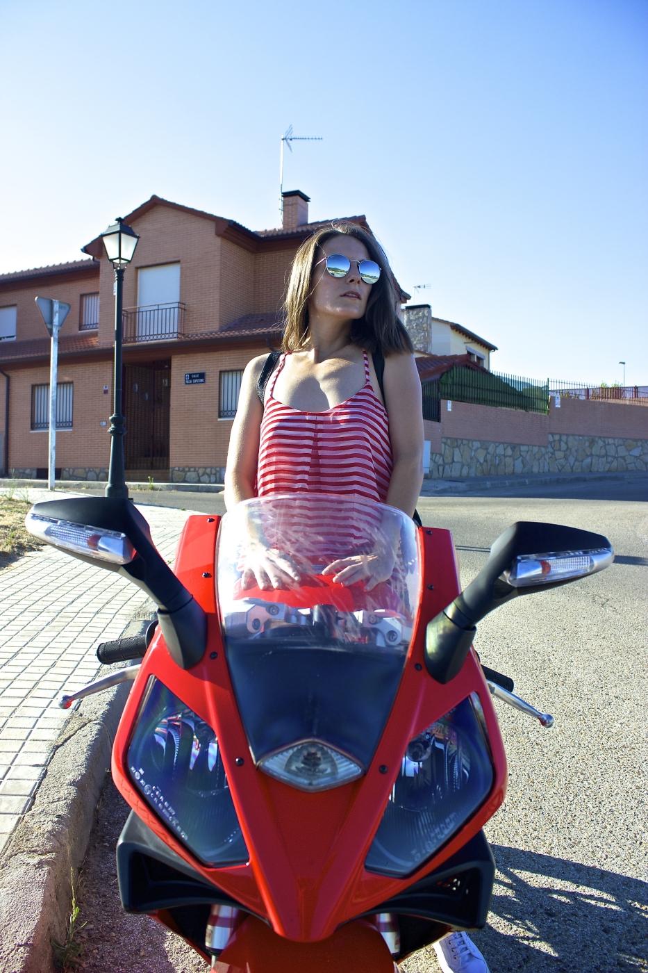 lara-vazquez-mad-lula-style-red-stripes