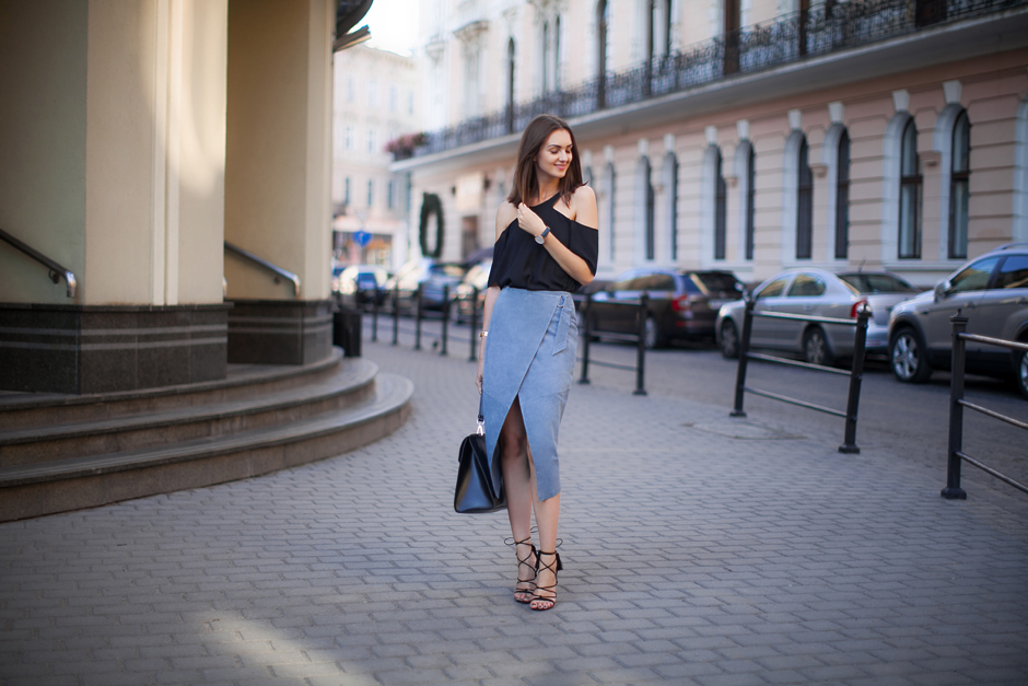 how-to-wear-a-suede-pencil-skirt-cold-shoulder-top
