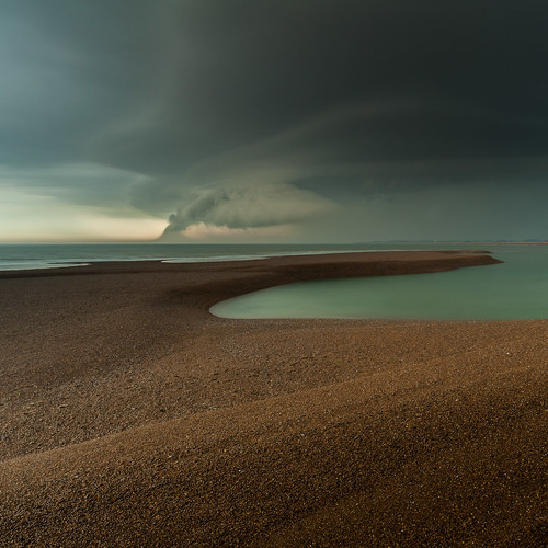 Elements por Lee Acaster