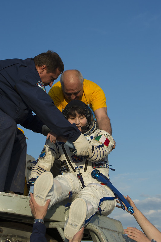 """[ISS] Expédition 43 """"Déroulement de la mission"""" - Page 7 18735092581_3dfd3c6168_c"""