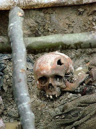 330px-Srebrenica_Massacre_-_Massacre_Victim_2_-_Potocari_2007