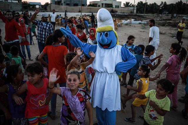 """حفل ترفيهي جنوبي غزة لأطفال """"العائلات النازحة"""" </p><p></a><script async src="""