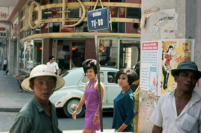 SAIGON ca 1966 - Tu Do Street - Ngã ba Tự Do-Nguyễn Thiệp - Photo by Rachel Smith