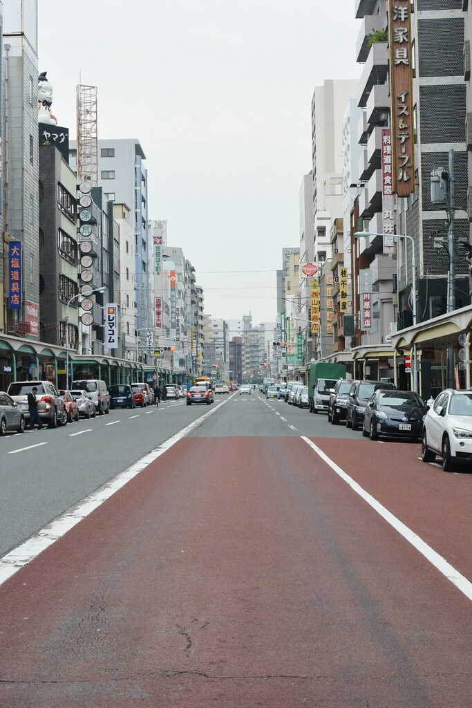 Road in Asakusa, to the Sky Tree
