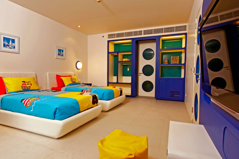 Holiday-Inn-Resort-Phuket-Mai-Khao-Beach-Family-Suite