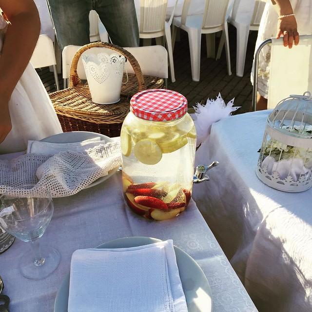 Acqua aromatizzata #cenainbiancoforli #cenainbianco #unconventionaldinner #forli #food #acquadetox #igersforli #igerfc #viaggioinromagna #giriingiro