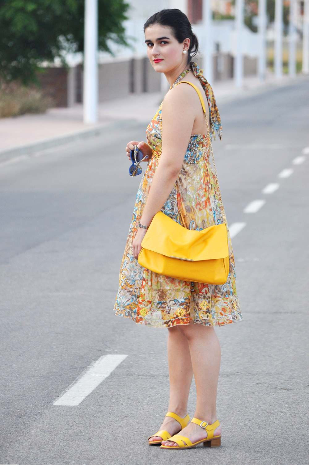 valencia fashion blogger, somethingfashion dolce gabbana sunglasses collection 2014, moda valencia blog, print backless dress style outfit summer 2015 yellow, blue D&G print sunnies