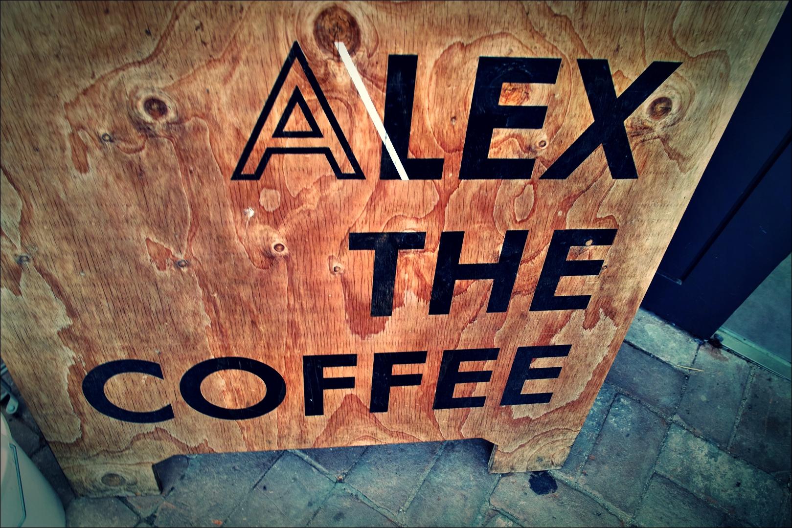 간판-'알렉스 더 커피 Alex the coffee'