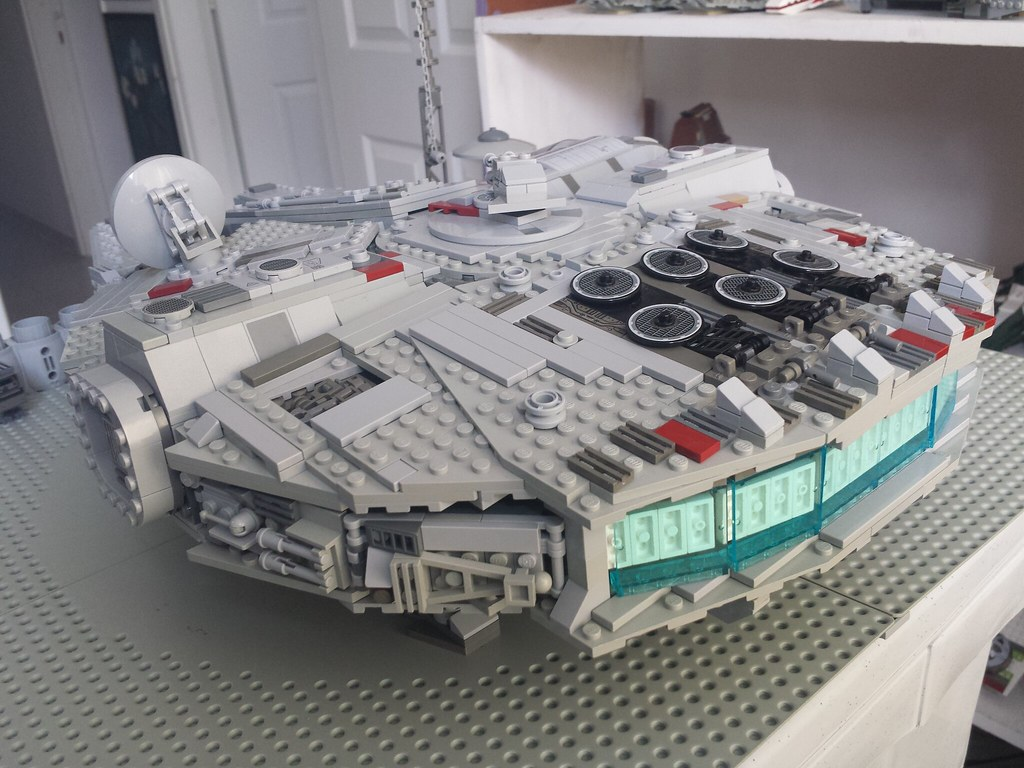Lego Millennium Falcon back right