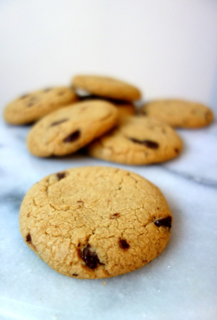 Chocolate chip and caramel cookies