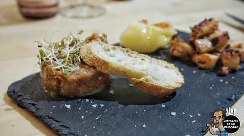 Tartar de solomillo de ternera asturiana con su huevo de codorniz