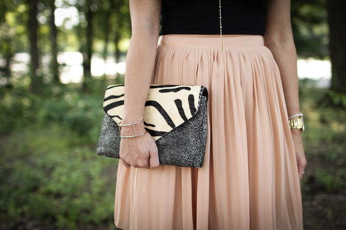 aviza style. andrea viza. fashion blogger. dc blogger. pleated skirt. crop top. dolce vita heels. loeffler randall clutch. tasteful crop top. summer style. 10