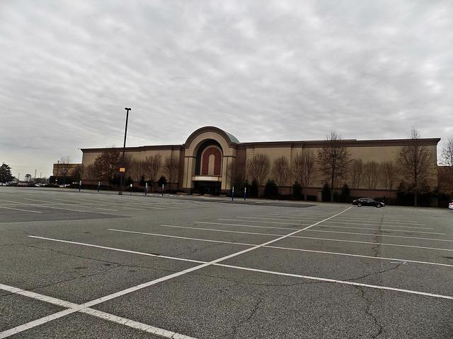 Four Seasons Town Centre in Greensboro, NC