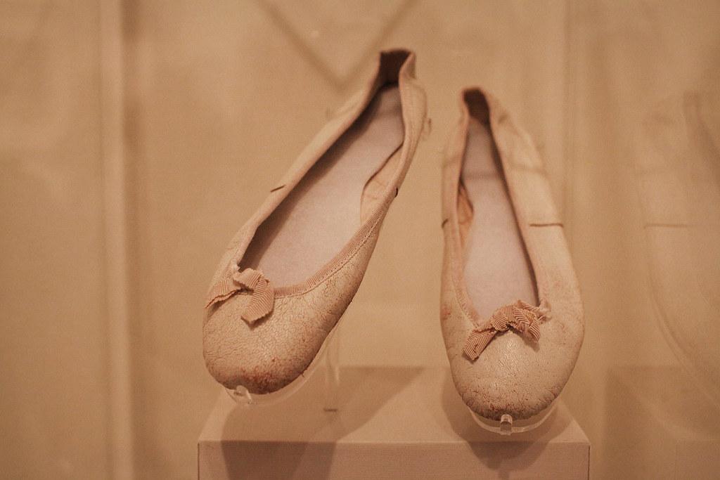 audrey-hepburn-ballerina-shoes-exhibition-npg-national-portrait-gallery