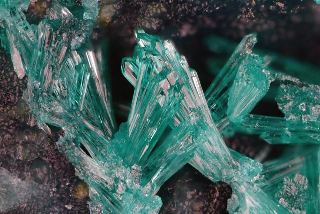 Dioptase 翠銅鉱