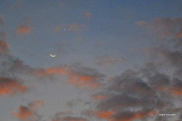 Luna. Venus y Júpiter en el atardecer