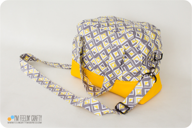 RainyDayBag-Main-ImFeelinCrafty