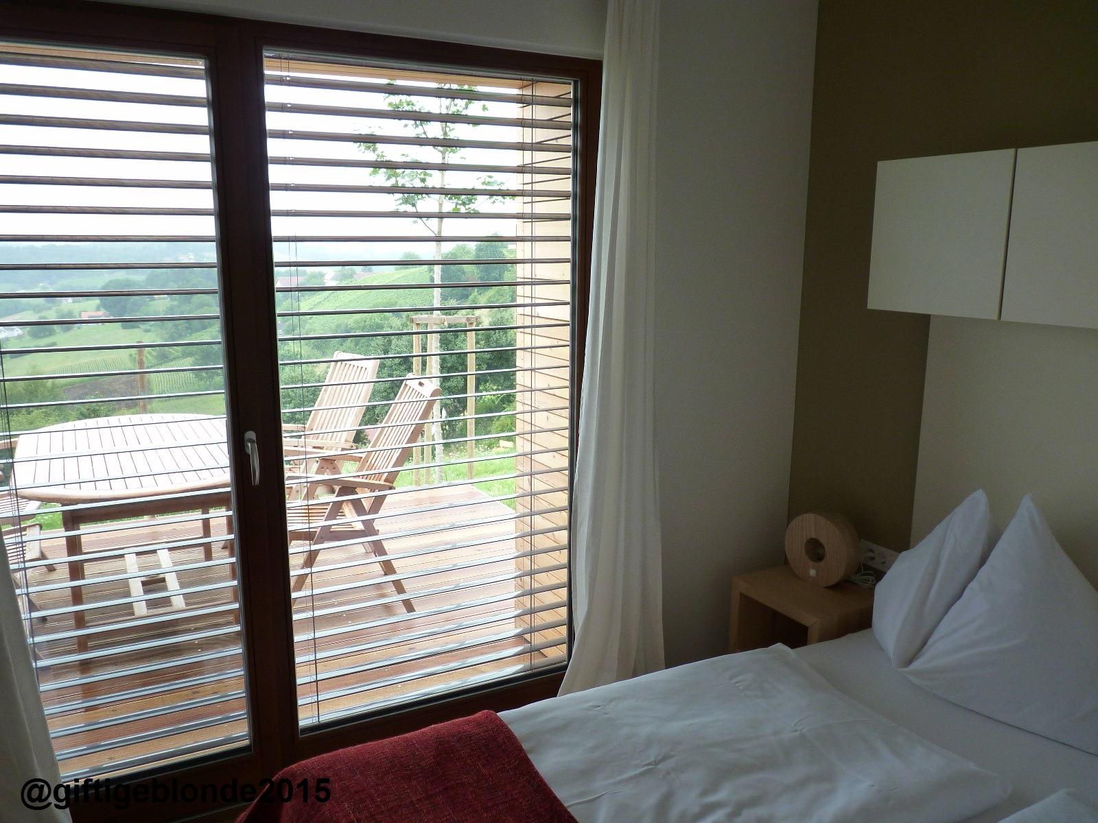 Blick auf die Terrasse vom Schlafzimmer