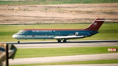 Northwest DC-9 Houston Hobby Airport N987US 02-11-AI- 5 (2) duplicate no faves