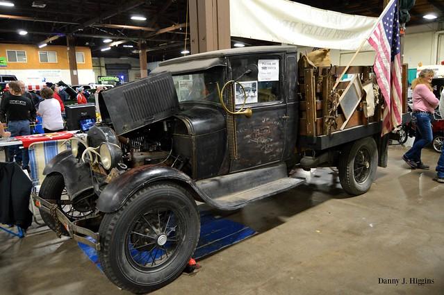 34th Annual Rod &  Custom Auto Show.   QCCA Expo Center, Rock Island, Illinois.  January 21, 2017.    DSC_3043