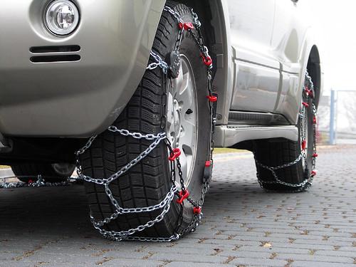 Zkouška montáže sněhových řetězů pewag servo SUV