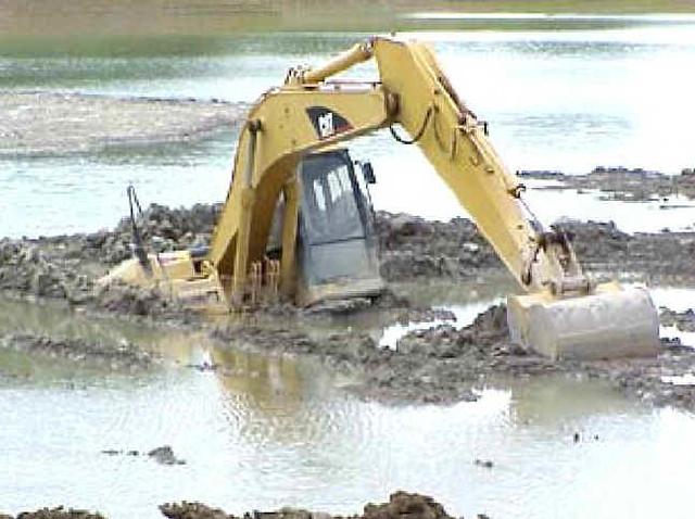 stuck excavator | Flickr - Photo Sharing!