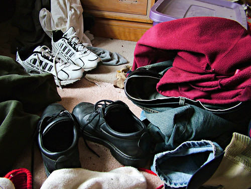 dilodec05 dayinthelifeof eqqman december december212005 bedroom mess clothes shoes sneakers floor