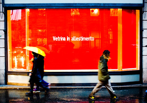 Vetrina in allestimento - Window dressing