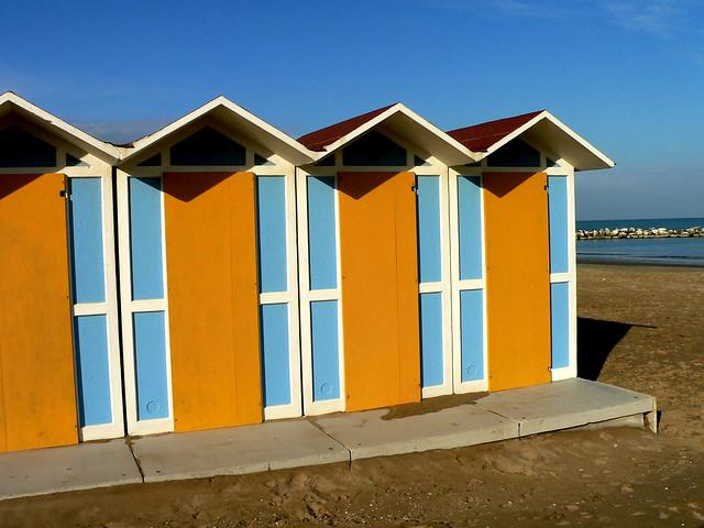 cabine azzurre adriatico in inverno flickr photo sharing On cabine inverno minnesota