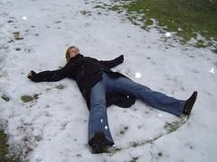 freezing(0.0), winter(1.0), snow angel(1.0), snow(1.0),