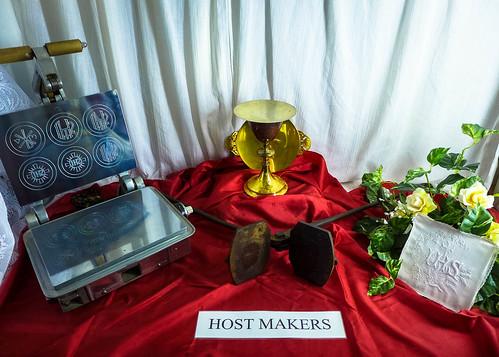 art museum catholic religion arts iowa host logania museumofreligiousarts