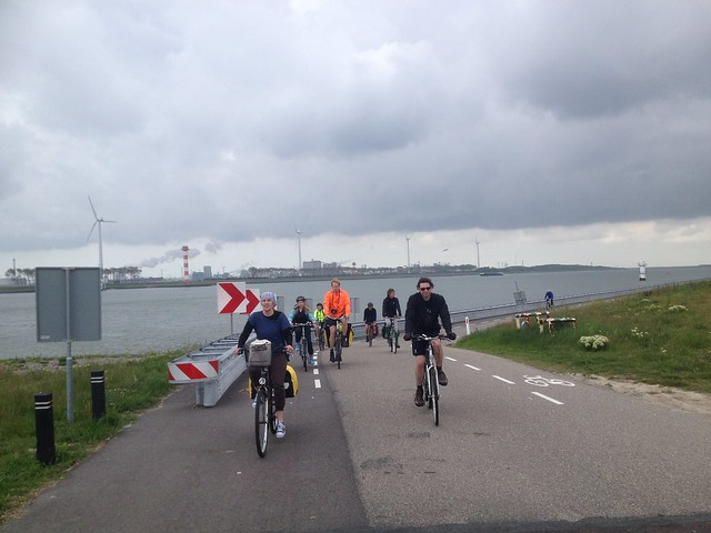 Windmills and Wheels: Cycling in the Netherlands (YU)