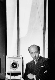 Yousuf Karsh, self-portrait / Autoportrait de Yousuf Karsh
