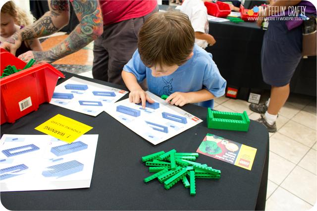 LegoStore-Building04-ImFeelinCrafty