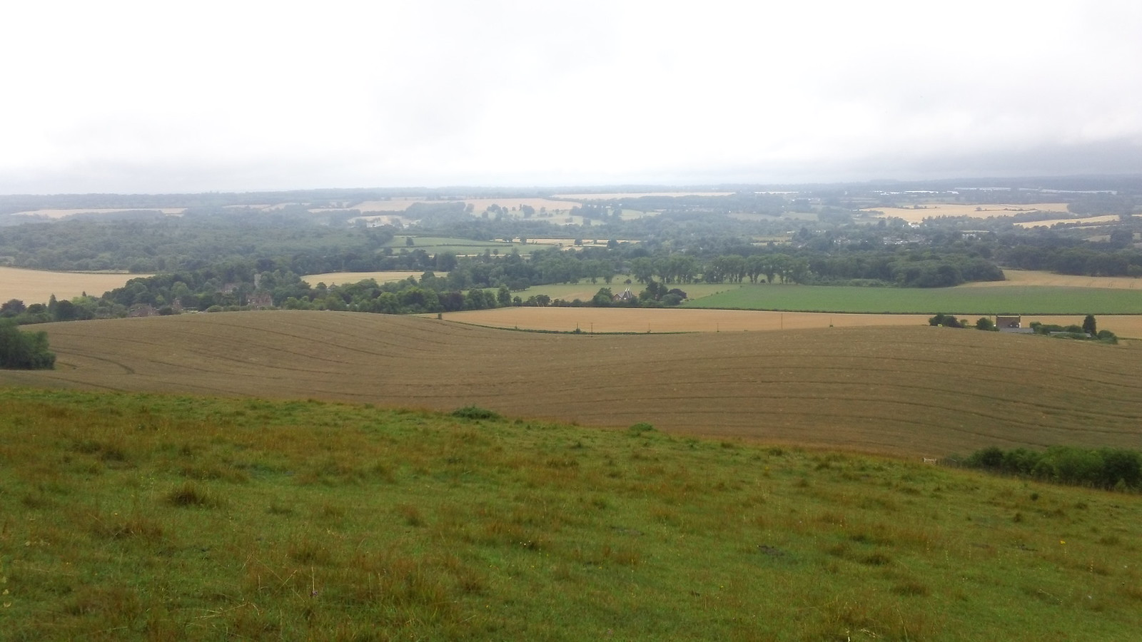 Viewpoint towards Leeds Castle from North Downs Way