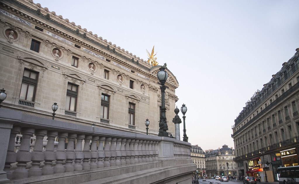 paris_museum_outside